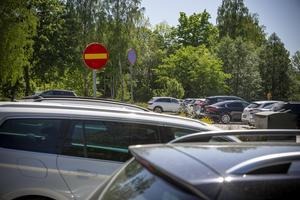 I Södertälje liksom på många andra platser pågår smittan fortfarande. Alla behöver hålla i och hålla ut även under sommaren.