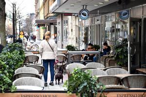 Från i sommar får näringsidkarna betala 1 krona per kvadratmeter och dygn för att ha uteservering i Rättvik.