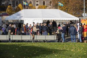 Bygga bock på Slottstorget i Gävle drog en hel del lördagsflanörer. Arrangemanget är ett samarbete mellan Gävle Citysamverkan och Gävle kommun.