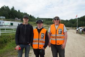 Oliver Jacobsson, Wilgot Silmon och Rasmus Sundin ställde upp som funktionärer. Det gick bra berättade dem, men det fanns något som var jobbigt