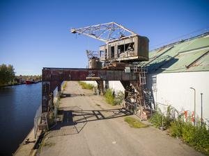 En av de två kranarna ska bevaras som minne av Gävle som hamn- och varvsstad.