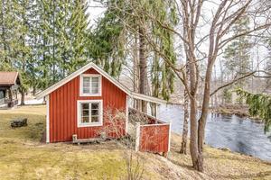 Detta fritidshus i Lernbo, Ludvika kommun var det näst mest klickade dalaobjektet på Hemnet under vecka 17. Foto: Carina Heed