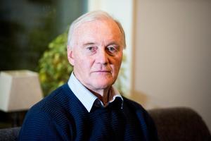 Lars Holmlund och resten av familjen runt Anna har haft ett turbulent år sedan kraschen.