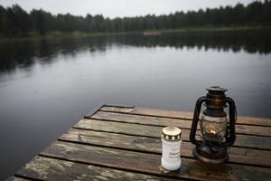Dagen efter drunkningen rådde stillhet på campingen och badplatsen i Backetjärn.