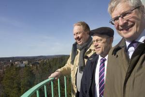 Komikern Anders Jansson var i Fagersta för jobb kring riksdagsvalet 2014. Han passade då på att åka upp i nyinvigda luftbevakningstornet med