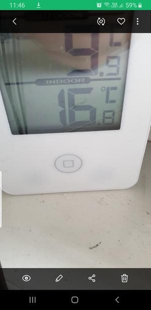 Linnea Jolinger knäppte kort på termometern hemma som visade 16 grader.