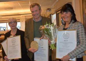 Anne Håkansson, Gunnar Lindblad och Britta Haglund tog emot stadsbyggnadspriset.