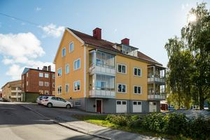 Den här fastigheten på Bergsgatan såldes för 6,1 miljoner kr. Foto: Fastighetsbyrån Örnsköldsvik