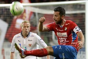 Tidigare Österspelaren, Denis Velic, tog över som huvudtränare för några veckor sedan.