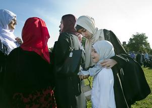 Hijab eller inte? Det är en privatsak. Men kanske kan boken