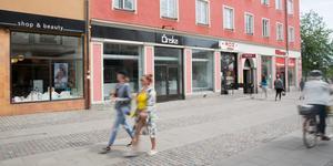 I mars 2018 stängde Önskabutiken. Sedan dess har lokalen stått tom, förutom i april i år då Södertälje kommun använde lokalen som pop up-butik för äldre.