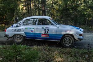 Tommy och Mikaela Wikström vann årets första tävling i Rallyklassikerna.