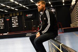 Adam Fernqvist har gjort tre landskamper och menar att drömmen om att göra fler fortfarande lever.
