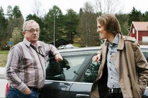 Trots femtio års yrkeserfarenhet männen emellan kom liftare och chaufför tämligen bra överens i Bergs huvudstad.