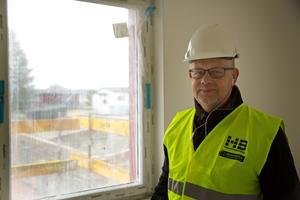 Kommunfastigheters vd Erik Kristiansson berättar att bolaget har bestämt sig vilka underhåll som skjuts upp för att ge utrymme åt utdelningen.