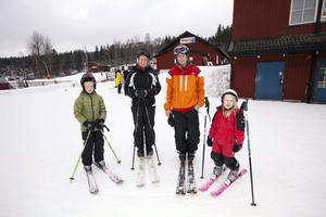 Familjen Ekström från Järfälla var i Kungsberget för första gången. Från vänster Oliver, 8, Marita, Magnus och Hanna, 6 år.