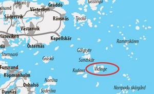 Vidinge ligger utkastat i havet, långt från fastlandet. En gång i tiden bodde 18 familjer på ön.