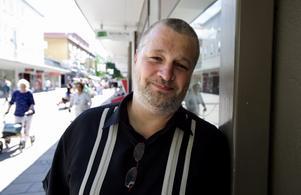 Per Bjurman går alltid och ser Brage när han är hemma i Borlänge på somrarna. Till vardags är New York – och hela USA – hans arbetsplats. Foto: Janne Eriksson