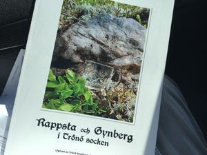 Boken om Gynberg och Rappsta den senate bya-boken i Trönö och släpptes häromdagen. Foto: Jan-Eric Berger.