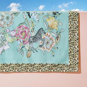 9. Badhandduk med djurtryck och blommor, 359 kronor på Zara Home.