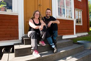 Emma och Andreas Libell lämnade Stockholm och odling på balkong för Örnsköldsvik och en drygt 3 000 kvadratmeter stor trädgård där deras odlingsintresse får löpa fritt.