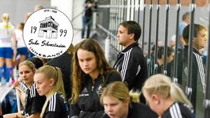 Sala Silverstaden tog sig allt närmare en kvalplats efter segern mot serieledarna Kumla under lördagen.