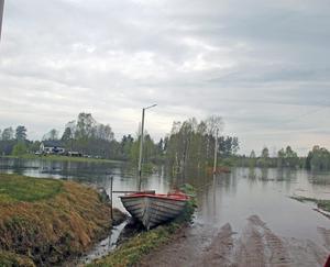 Bilvägs ände på Säla i Äppelbo