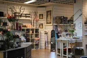 I andra delen av lokalen finns en inredningsbutik som ägarna också har drivit.