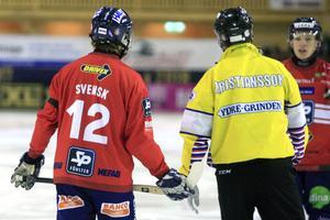 Premiär mot Frillesås – och rött kort innan en minut hunnit spelas. Säsongen startade inte bra för Jocke Svensk.