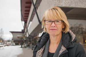 Kommunchef Gunnel Gyllander förklarar att det inte finns några förbud för anställda att prata med media. Foto: Mikael Andersson