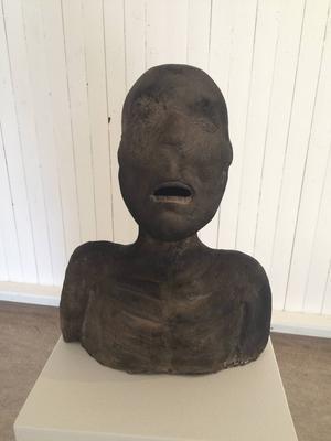Thamer Al Zaidis skulptur av en ung människa.