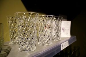 Glas var en statussymbol på 1500-talet. Man har hittat skärvor av venetianska glas i gruvbyn. Kopior finns att köpa i Gruvmuseets shop.