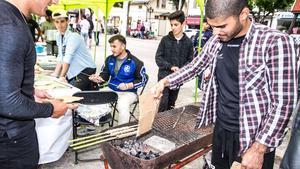 Bild från förra årets festival där kebab tillagades på klassiskt turkiskt vis.
