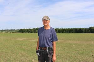 Per Hellstrand har haft en nervös sommar. Man vet ännu inte om regnet kommer kunna rädda fodersituationen.