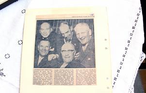 Företagets arbetsledarklubb i Gefle Dagblad 1960. Hjalmar Tolfström längst ner till vänster började 1904 och var äldst i gänget.