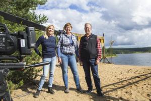 Jenny Annerhult och Maria Rosén från Destination Järvsö och Roland Hamlin, projektutvecklare på Ljusdals kommun, var med och stöttade under den första inspelningsdagen.
