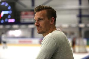 Med en lång spelarkarriär i ryggen har Gabriel Karlsson en hel del erfarenheter att ta med sig in i sportchefsrollen.
