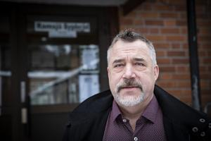 Göran Hammarström, Ramsjö bygderåds ordförande, är kritisk mot entreprenören.