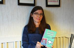 Jönköpingsförfattaren Camilla Dahlson med den nya boken