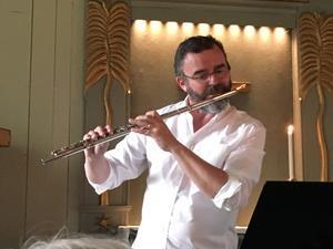 Tobias Carron imponerade som vanligt med sitt flöjtspel. Foto: Lars Westin