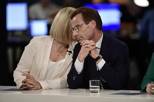 Kristdemokraternas partiledare Ebba Busch Thor och Moderaternas partiledare Ulf Kristersson. Foto: Stina Stjernkvist / TT