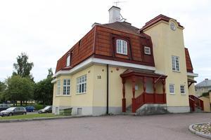 Ugglan är ett av flera hus i centrala Ludvika som kommer att omfattas av utredningen som kan resultera i en lokalrockad för berörda hyresgäster som PRO, Länkarna och fackliga organisationer.