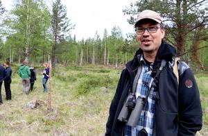 Lars Pettersson, samordnare för Svensk dagfjärilövervakning, var en av många fjärilskunniga entomologer som var med på vandringen och rosade de projekt som pågår i området.