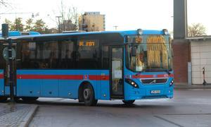 Missnöjd 13-åring vill åka buss.