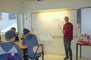 Johan Unenge tycker att Vasaskolans sjuor var bra på att ställa frågor.