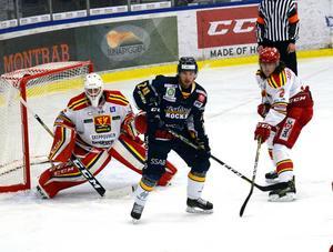 Oliver Eriksson kommer från spel i Borlänge HC.