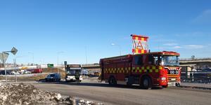 Det blev endast lättare skador på fordonen vid kollisionen mellan en buss och personbil i Härnösand på torsdagen.