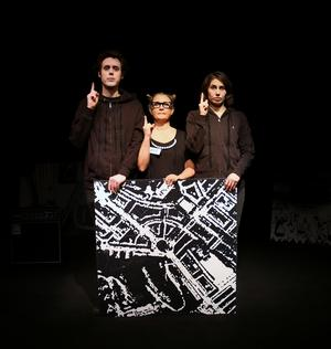 Pascal Wibe, Titti Hilton , Dasha Nikiforova i 4:e teaterns