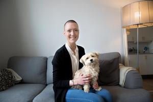 Hunden Freja blev räddningen för Emma och betyder allt. Både mentalt och känslomässigt.