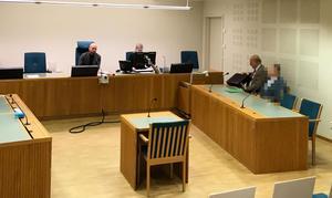 Mannen häktades 21 december.  I förra veckan medgav han, genom sin advokat Lars Ståhlberg, fortsatt häktning i 14 dagar.